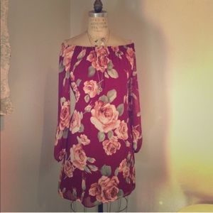 Dresses & Skirts - Off the shoulders floral dress